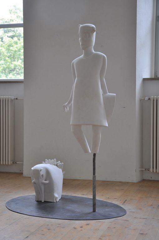 Frau und Phantasietier von Susanne Beurer