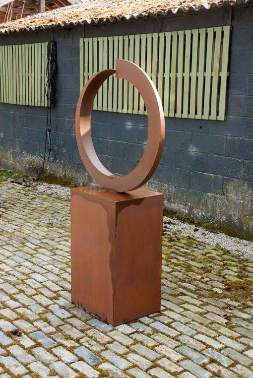 kreisförmige Skulptur Rüdiger Seidt
