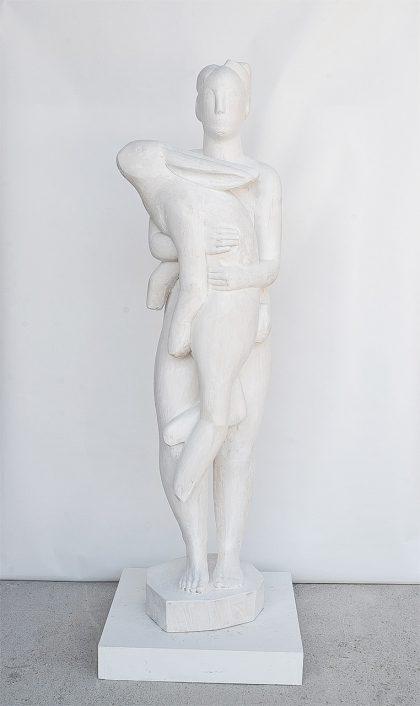 weiße Skulptur, Frau mit Hase