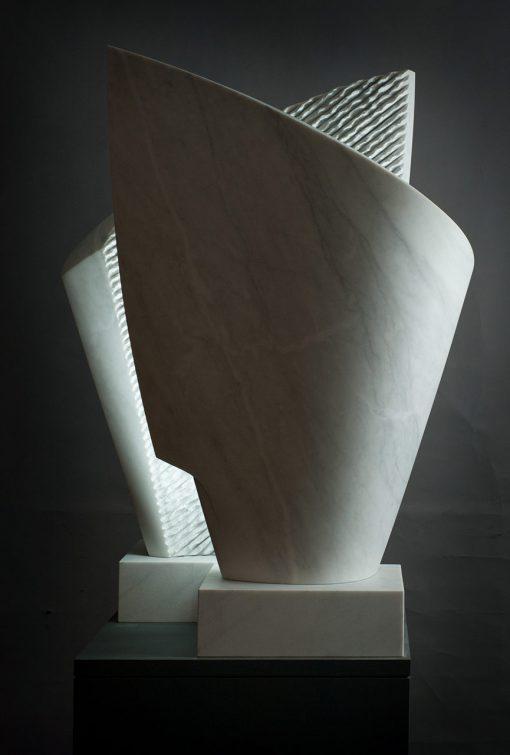 Murmure – Skulptur aus Marmor von Joaquim Evers