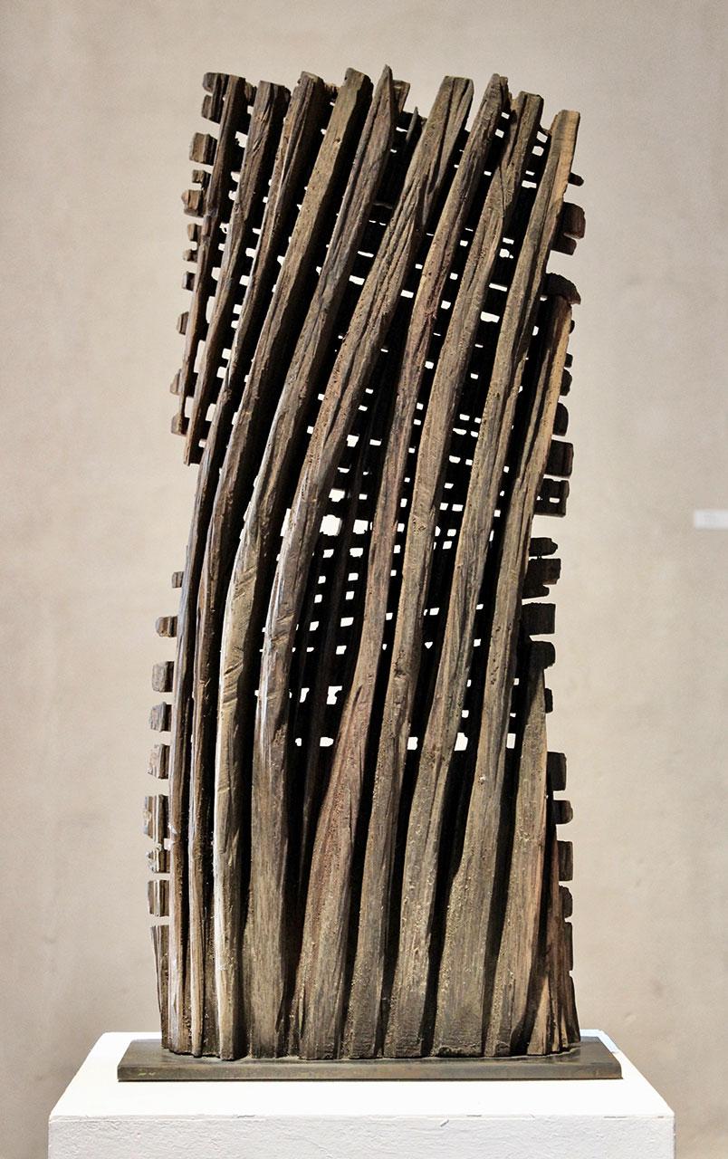 Alexander Heil: Zeit II, 2015, Eiche patiniert, Höhe 64 cm