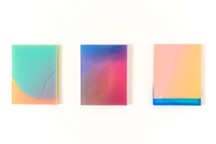 irrisierende Farbverläufe aus blau, pink, orange, rot